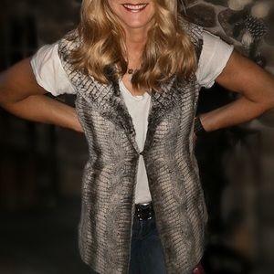 Alice & Olivia faux fur shawl collar vest